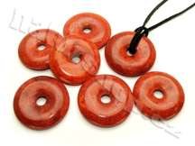 korálové přívěsky donuty